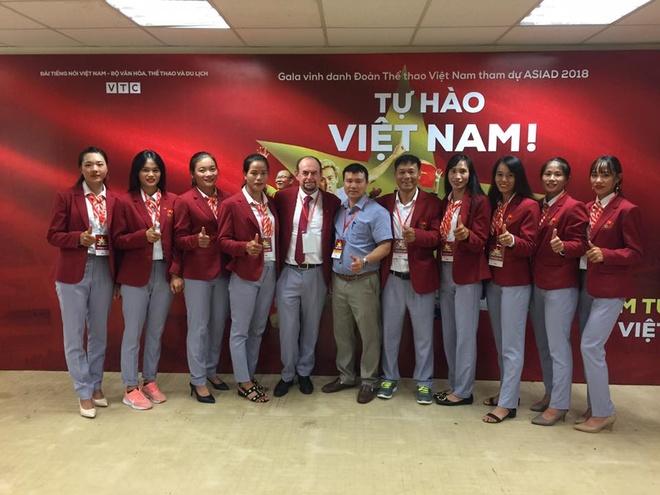 Van Toan: 'Ban thang phut 108 den tu no luc cua toan doi' hinh anh 8