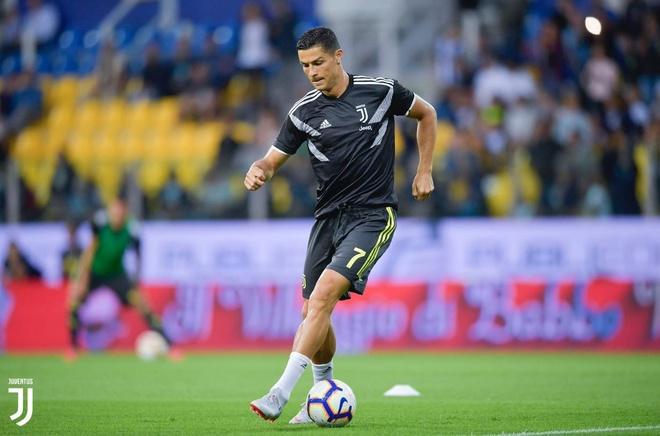 Ronaldo lac long trong tran thang thu 3 cua Juventus tai Serie A hinh anh 10