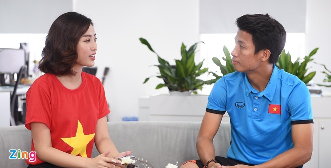Quang Hai mat ngu vi sut truot 11 m, Van Toan thich nhuom toc mau khoi hinh anh 12