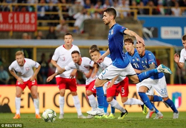 Balotelli tai xuat, Italy chat vat gianh diem truoc Ba Lan hinh anh 5