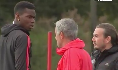Pogba luom nguyt Mourinho trong buoi tap moi nhat hinh anh