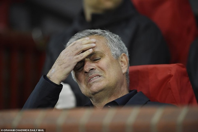 Paul Scholes: 'Mourinho dang tro nen mat kiem soat' hinh anh