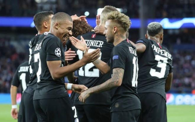 PSG 6-1 Crvena Zvezda: Neymar lap hat-trick hinh anh 11