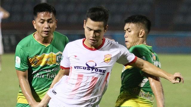 CLB Nam Dinh co ve da play-off, CLB Thanh Hoa gianh vi tri a quan hinh anh