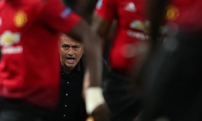 Man Utd vs Newcastle: Tran dau chia tay Mourinho? hinh anh