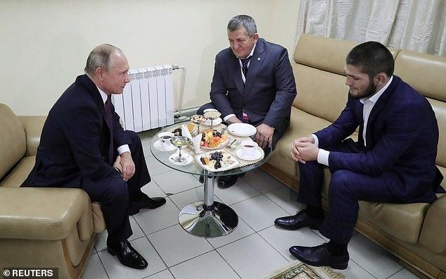 Tong thong Putin gap mat Khabib sau chien cong o UFC 229 hinh anh