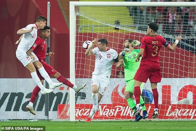 DT Bo Dao Nha choi thang hoa tai Nations League du vang Ronaldo hinh anh 1