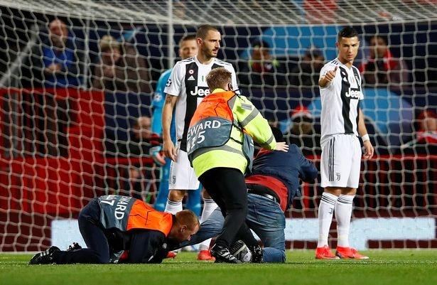 Ronaldo selfie voi CDV qua khich cua MU sau tran dau hinh anh 6