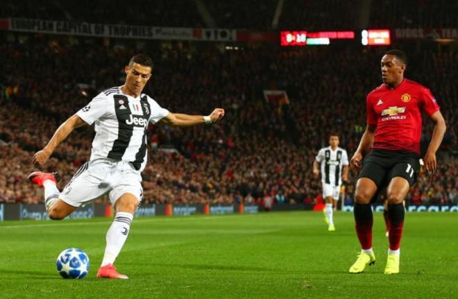 Ronaldo selfie voi CDV qua khich cua MU sau tran dau hinh anh 9