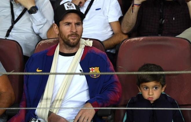 Messi den xem Barca danh bai Inter Milan voi ben tay bang bo hinh anh