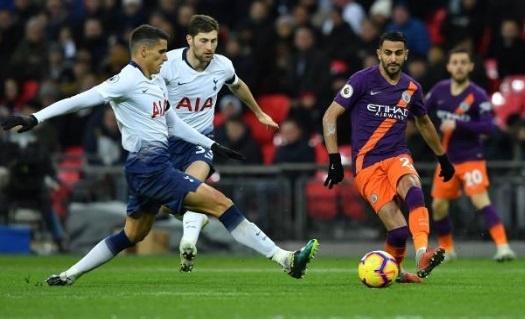 Mahrez tang ban thang cho Chu tich Vichai trong ngay Man City ha Spurs hinh anh 4