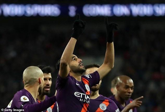 Mahrez tang ban thang cho Chu tich Vichai trong ngay Man City ha Spurs hinh anh 3