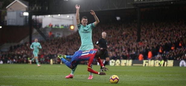 Arsenal 1-1 Liverpool: Tiec tan cong hap dan hinh anh 3