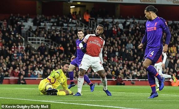 Arsenal 1-1 Liverpool: Tiec tan cong hap dan hinh anh 12