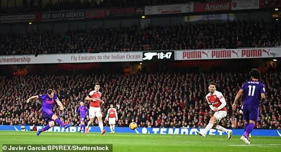 Arsenal 1-1 Liverpool: Tiec tan cong hap dan hinh anh 20