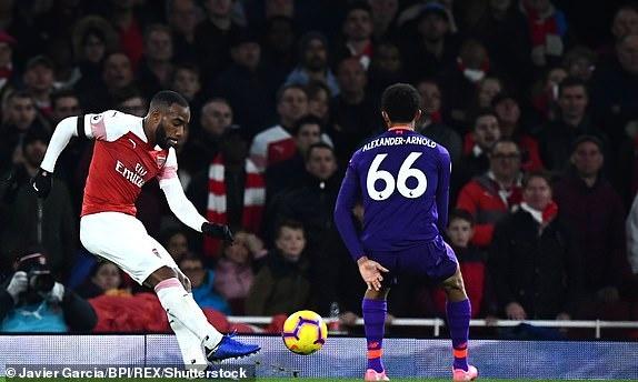 Arsenal 1-1 Liverpool: Tiec tan cong hap dan hinh anh 23