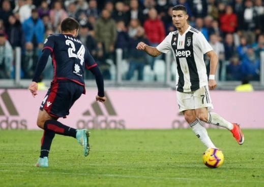 Ronaldo toa sang anh 3