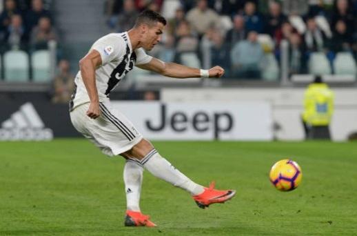 Ronaldo toa sang anh 2