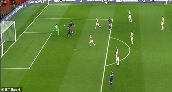 Arsenal 1-1 Liverpool: Tiec tan cong hap dan hinh anh 15