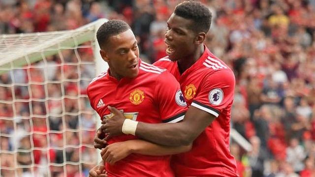 Martial noi bat o doi hinh derby thanh Manchester hinh anh