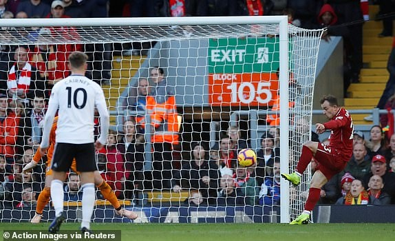 Salah no sung dua Liverpool len vi tri dan dau NHA hinh anh 17