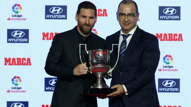 Vuot Ronaldo, Messi gianh cu dup giai ca nhan o La Liga hinh anh