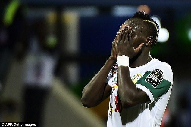 Sadio Mane bật khóc vì bị cổ động viên nhà la ó ở cúp châu Phi