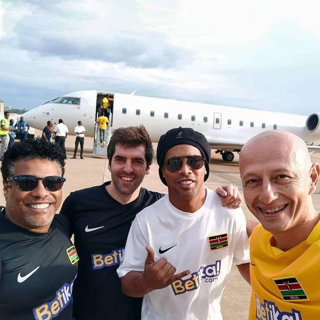 Tiet lo bat ngo vu Ronaldinho chi con 5 bang trong tai khoan hinh anh 2