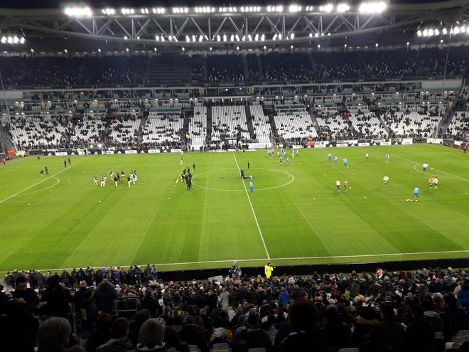 Ronaldo toa sang giup Juventus danh bai SPAL 2-0 hinh anh 6