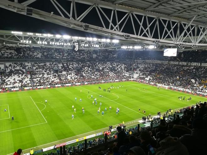 Ronaldo toa sang giup Juventus danh bai SPAL 2-0 hinh anh 7