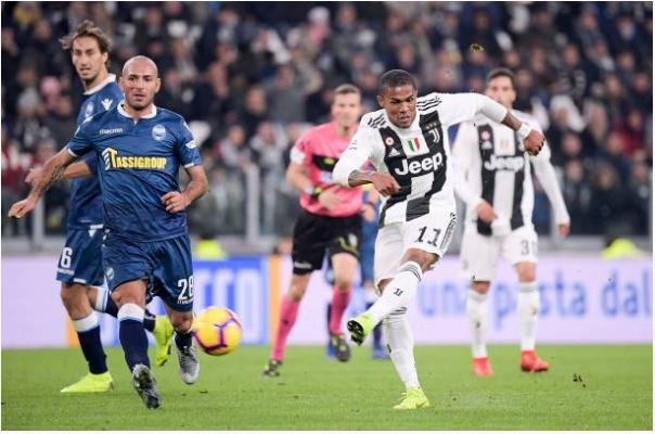Ronaldo toa sang giup Juventus danh bai SPAL 2-0 hinh anh 12