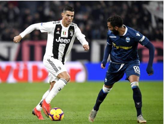 Ronaldo toa sang giup Juventus danh bai SPAL 2-0 hinh anh 18