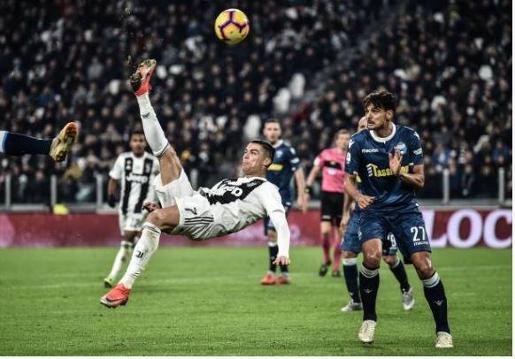 Ronaldo toa sang giup Juventus danh bai SPAL 2-0 hinh anh 19
