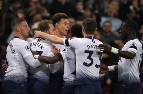 Chelsea dut mach 12 tran bat bai sau khi thua Tottenham hinh anh 7