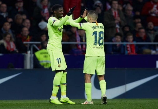 Khoanh khac Messi khien Griezmann xau ho gay chu y tren mang xa hoi hinh anh 9