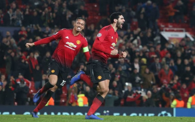 Fellaini giup MU vao vong knock-out Champions League hinh anh 21
