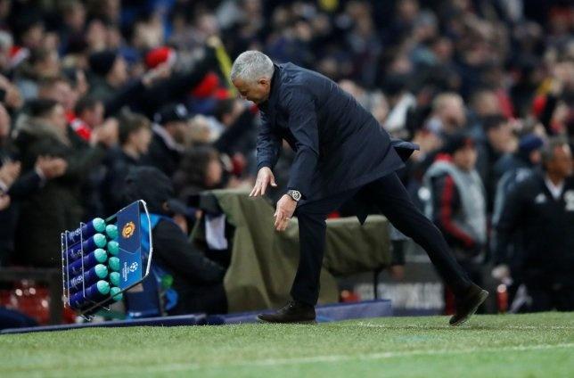 HLV Mourinho khau chien Scholes sau tran thang Young Boys hinh anh 2