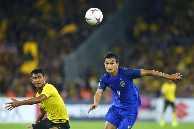 Hoa Thai Lan kich tinh 2-2, Malaysia vao chung ket AFF Cup hinh anh 11