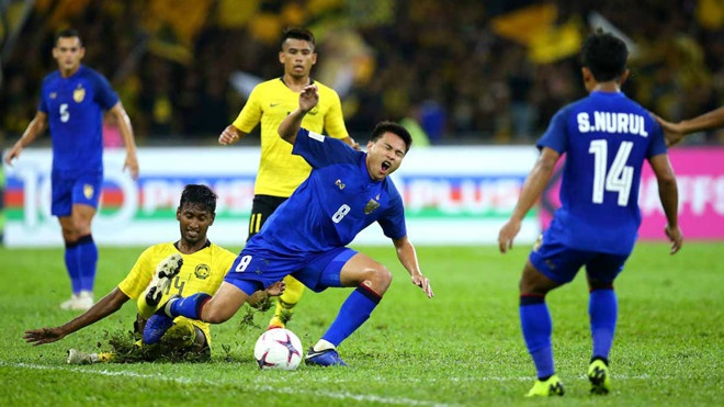 Hoa Thai Lan kich tinh 2-2, Malaysia vao chung ket AFF Cup hinh anh 3