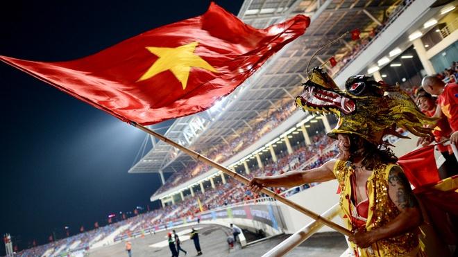 Bao Han Quoc to mo voi cach 'giai via' san My Dinh cua tuyen Viet Nam hinh anh