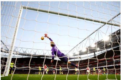 Lucas Torreira lap sieu pham, Arsenal duy tri mach bat bai hinh anh 21