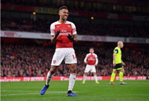 Lucas Torreira lap sieu pham, Arsenal duy tri mach bat bai hinh anh 24