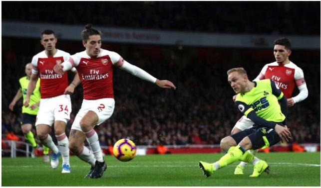 Lucas Torreira lap sieu pham, Arsenal duy tri mach bat bai hinh anh 20