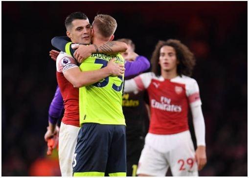 Lucas Torreira lap sieu pham, Arsenal duy tri mach bat bai hinh anh 28