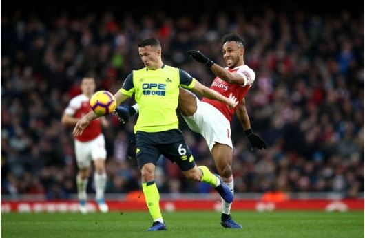 Lucas Torreira lap sieu pham, Arsenal duy tri mach bat bai hinh anh 17