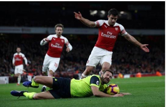 Lucas Torreira lap sieu pham, Arsenal duy tri mach bat bai hinh anh 23