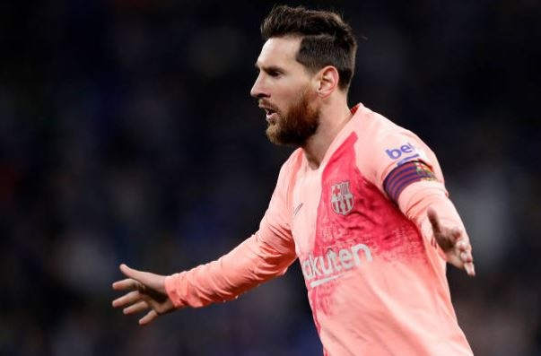 Messi ghi 2 sieu pham da phat o tran derby Catalan hinh anh
