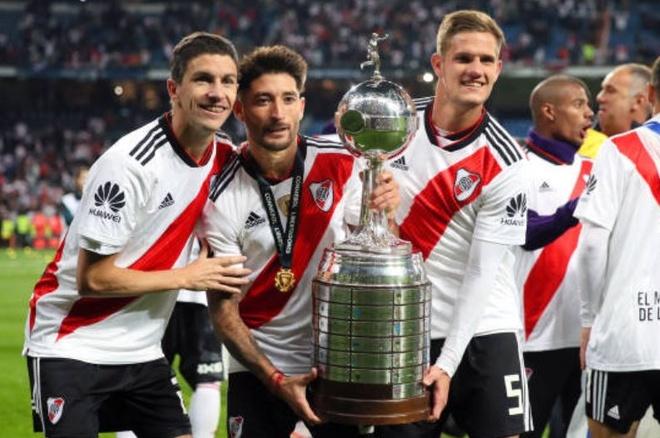 Nguoc dong ha Boca Juniors, River Plate dang quang Copa Libertadores hinh anh