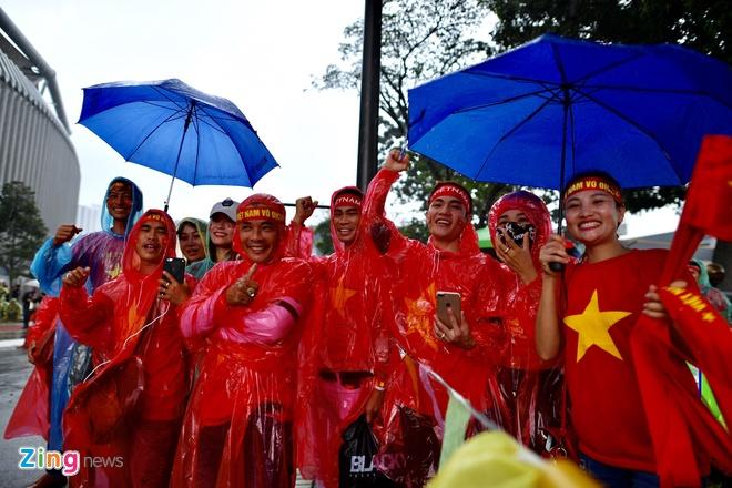Nhieu CDV Viet Nam khong duoc vao khan dai Bukit Jalil du co ve hinh anh 36