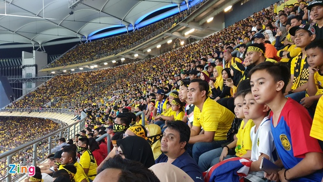 Malaysia vs Viet Nam (2-2): Danh roi chien thang day tiec nuoi hinh anh 38